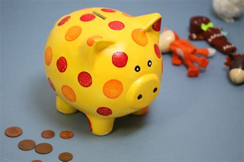 How To Make A Personalised Piggy Bank