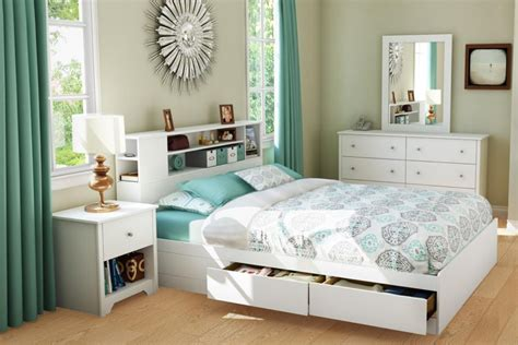 chambre pont ikea lit avec rangement petit espace chevet suspendu tête de