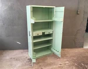 Armoire Rangement Cuisine : armoire tolix couleur vert d 39 eau ~ Teatrodelosmanantiales.com Idées de Décoration