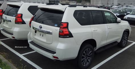 toyota land cruiser prado tx facelift spy shot