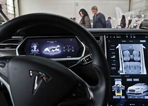 Tesla says all new cars will have self-driving hardware | The Star