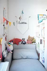 Couch Für Kinderzimmer : ein kunterbuntes kinderzimmer mit ecken f r alle kinder bed rfnisse kinderzimmer kleinkind ~ Orissabook.com Haus und Dekorationen