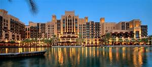 Andy Cuthbert Becomes General Manage for Jumeirah Mina A'Salam