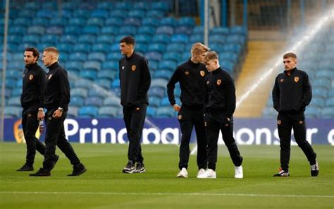Leeds United vs Hull City LIVE - build-up as Lewie Coyle ...