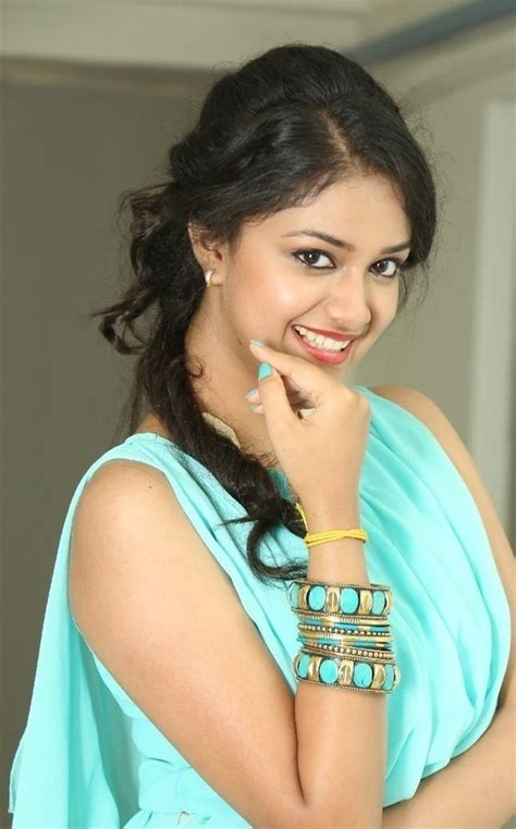 actress karthika suresh keerthi suresh hot and beautiful indiatimes