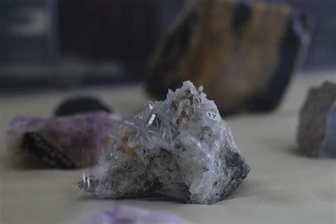 พิพิธภัณฑ์ หิน แร่ และอัญมณี