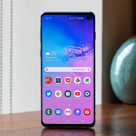 samsung galaxy s10 review the awkward middle child the