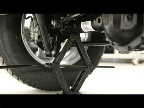 jeep wrangler jacking  tire change youtube