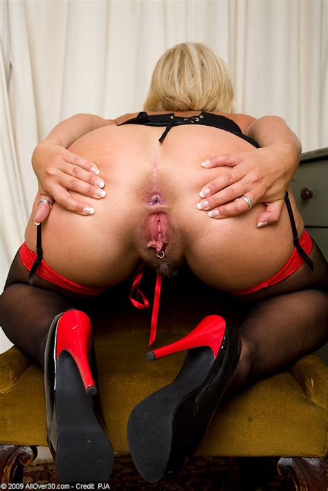 Busty MILF Robyn in red and black lingerie spreading pussy ...
