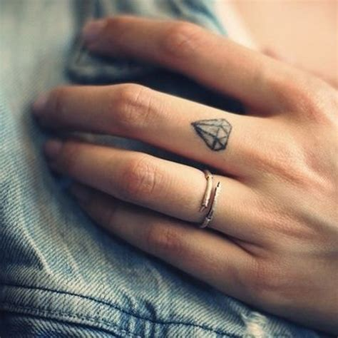 Petit Tatouage Main  Petit Tatouage  Un Tattoo, Oui