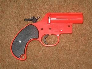 Flare gun - Wikipedia