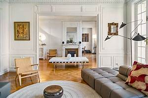 Salon Classique Chic : appartement haussmannien classique chic salon paris par fran ois guillemin ~ Dallasstarsshop.com Idées de Décoration
