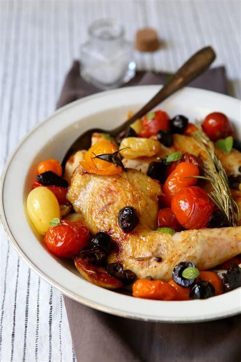 cuisiner cuisse de poulet au four poulet aux olives et aux tomates gourmandiseries