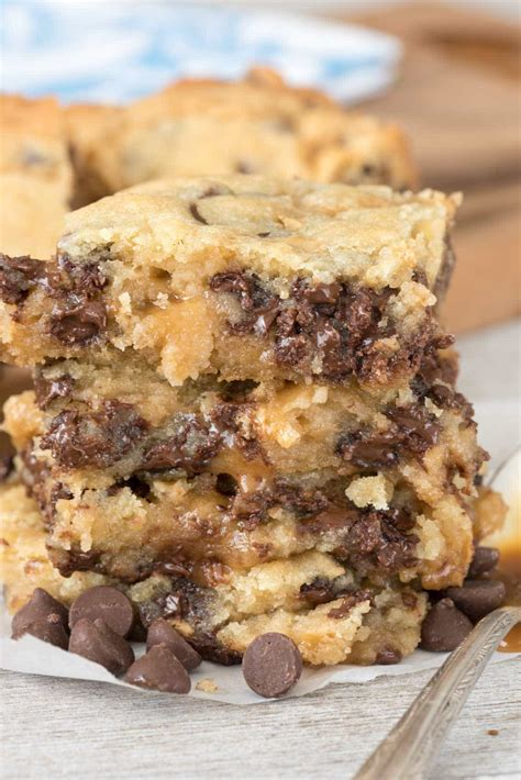 chocolate chip caramel butter bars crazy  crust