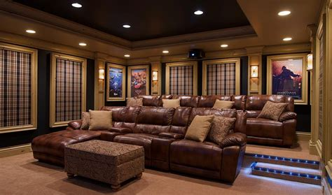 Eliz' Travel And Living Private Theatre Room