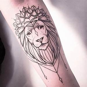 30 Spectacular Crown Tattoo Designs