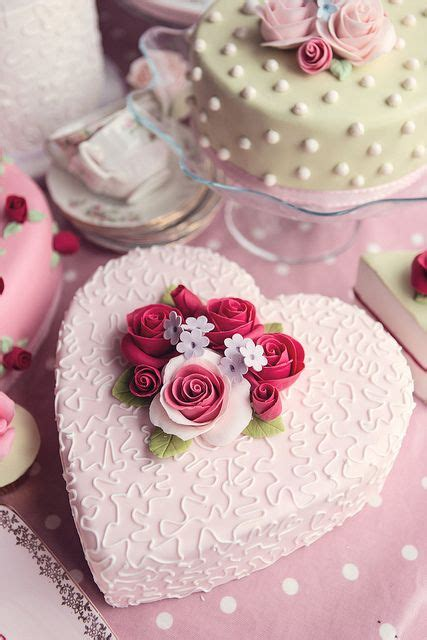 How To Decorate Shaped Cake - best 25 shaped cakes ideas on
