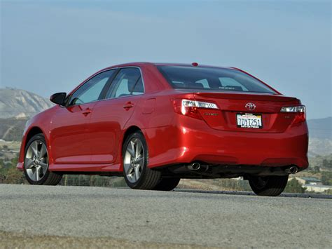 Toyota Camry Se 2014 by 2014 Toyota Camry Test Drive Review Cargurus