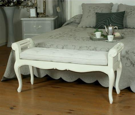 pin meubles lits bout de lit blanc capitonn 233 chesterfield on