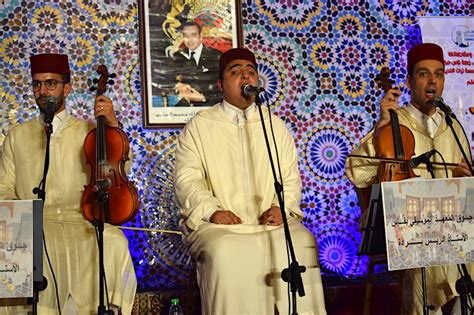 music andalusian fez festival singer moroccan cultures 25th morocco celebrates across annual sings lead band local during
