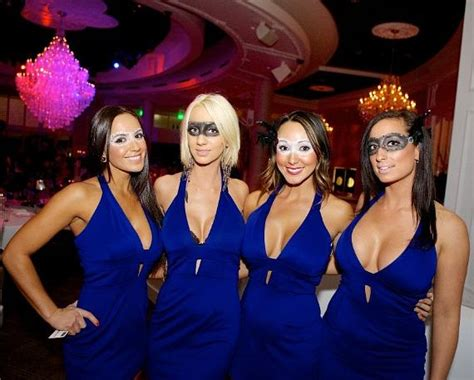 Bagatelle Beach & Supper Club Debuts With Glamorous