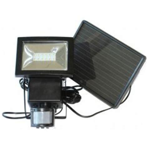 Projecteur Solaire emejing eclairage jardin solaire puissant images
