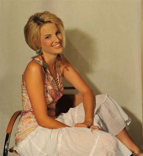 Preise  Hairstyle & Naildesign Schokoblond, Stefanie Bruhin