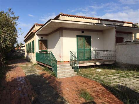 in vendita a castel volturno villa castel volturno vendita 40 000 90 mq cambiocasa it