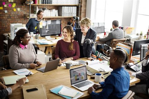 manage  startup team effectively