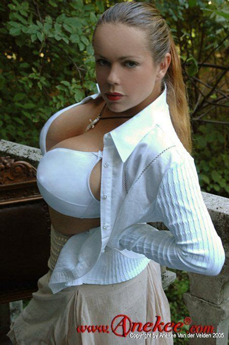 anekee van der velden a supermodel with natural breasts with the size 10 34 pics