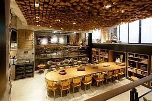 The Bank - A Starbucks Coffee Theatre In Amsterdam