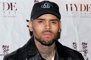 Chris Brown explains controversial photos of his hands ...  Chris