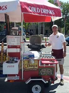 Hot Dog Stand : 25 best hot dog stand ideas on pinterest hot dog buffet baseball party foods and hot dog parties ~ Yasmunasinghe.com Haus und Dekorationen