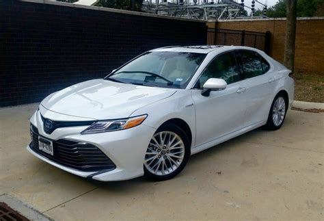 Toyota Camry Hybrid Xle by 2018 Toyota Camry Xle Hybrid Test Drive Carprousa