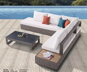 Edge modern outdoor sectional sofa set for 5 with built in for Sectional sofa with built in table