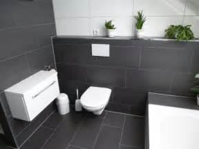 badezimmer fliesen die besten 25 bad fliesen ideen auf bad fliesen ideen bad bodenfliesen und fliesen