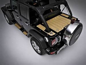 Marine Wood Cargo Lid With Leather Roll Cage Covers