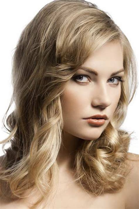 medium to haircuts for wavy hair medium hairstyles for curly hair 5676