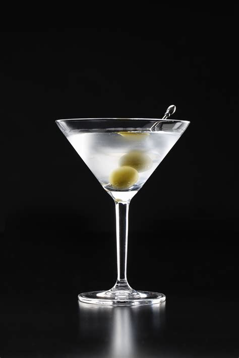 martini drink 6 most stylish drinks every woman should know about just
