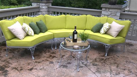 How To Make A Settee by How To Make Cushions For A Curved Patio Set Upholstery