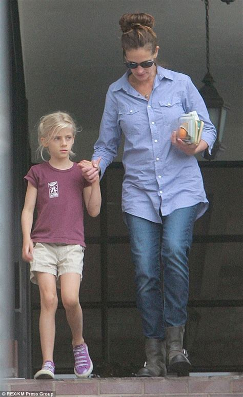 Julia fiona roberts is an american actress and producer. Julia Roberts' pretty blonde mini-me daughter Hazel snuggles into her famous mother as they step ...