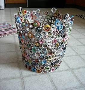 Upcycling Ideen Papier : papierkorb seiten aus zeitschriften zu streifen falten um einen stock wickeln kleben ~ Eleganceandgraceweddings.com Haus und Dekorationen