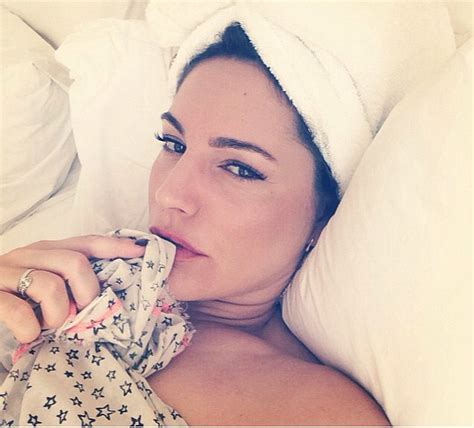 Kelly Brook Shows Off Her Assets In Steamy Instagram Snap What S On Xiamen