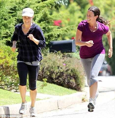Alanis Morissette gets serious about losing the last of ...