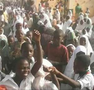 Kaduna Pupils Protest Over Planned Sack Of 21,000 Teachers ...