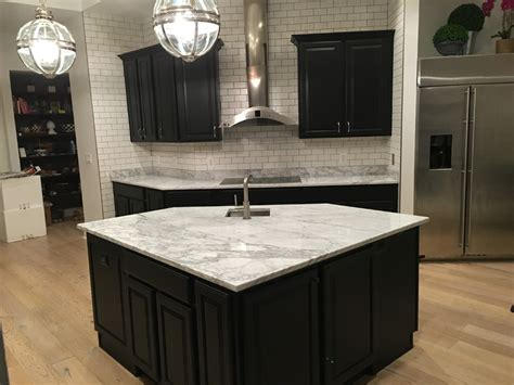 bianca carrara marble countertops  kitchen