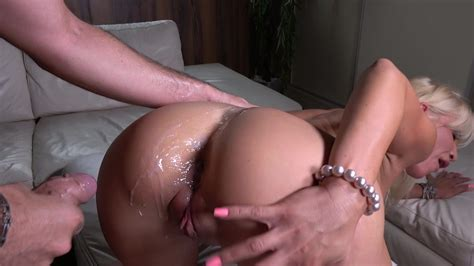 Mature Cougar Fucks In The Ass Until The Last Drop Xbabe