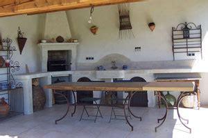 cuisine d été couverte se faire une cuisine d 39 extérieur inspiration cuisine le magazine de la cuisine équipée