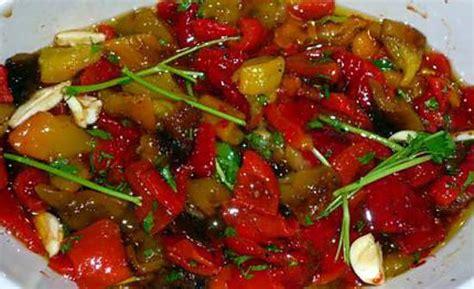 comment cuisiner le poivron recette de poivrons marinés
