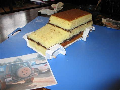 jeep logo cake jeep wrangler cake cakecentral com